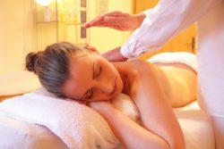 Massagen gehören bei vielen zu den beliebtesten Entspannungsmöglichkeiten.